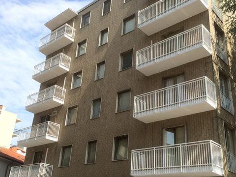 rifacimento balconi a vigevano in piazza stazione