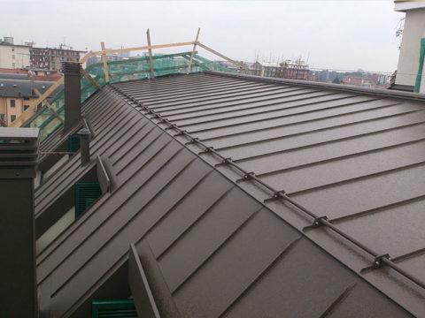 rifacimento copertura tetto con pannelli a milano