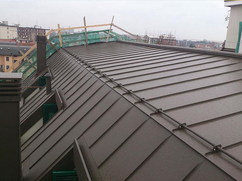 Rifacimento copertura tetto con pannelli, Milano
