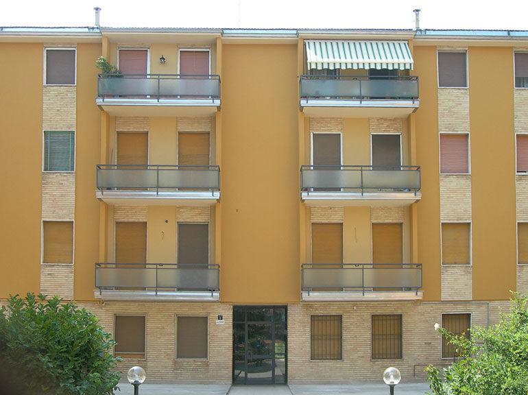 Rifacimento facciata, Pavia